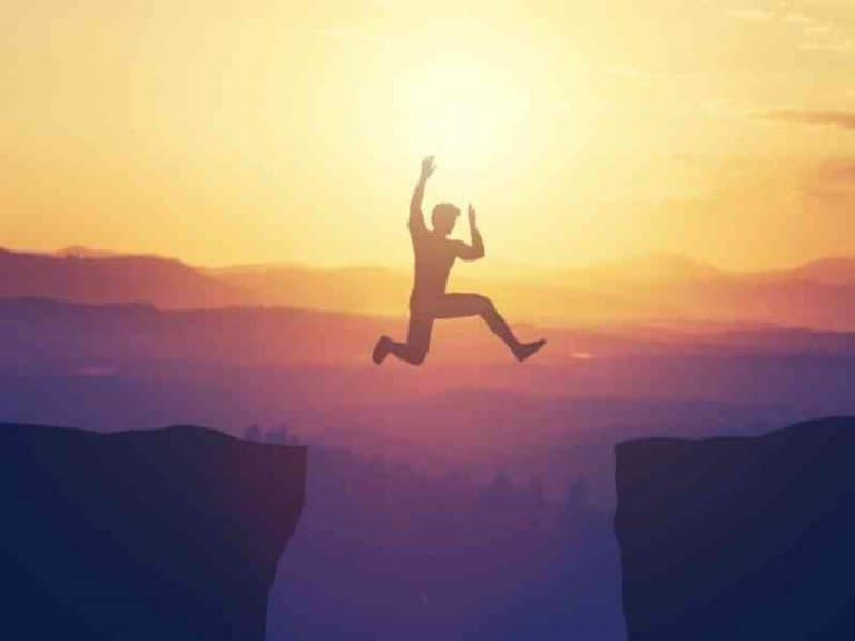 Success without Confidence: Is it Possible?